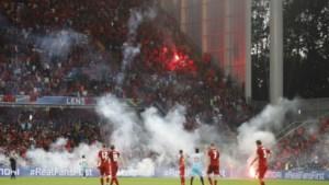 """18 supporters aangehouden in Lens wegens """"gebruik of bezit vuurwerk"""""""
