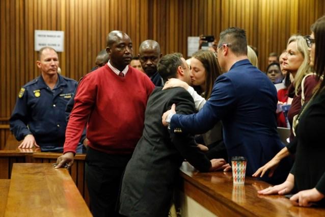 """Zus van Oscar Pistorius is rechter """"dankbaar"""" voor milde straf"""