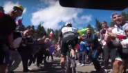 Uitgerekend op Mont Ventoux reed De Gendt met cameraatje op fiets: fietsen door dolle menigte