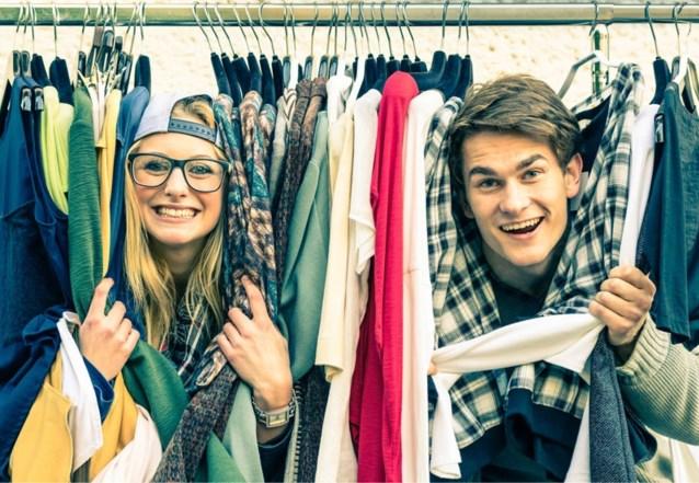 Mannen winkelen anders dan vrouwen tijdens de solden