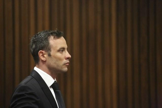 Oscar Pistorius onder verscherpt toezicht om zelfmoord te voorkomen