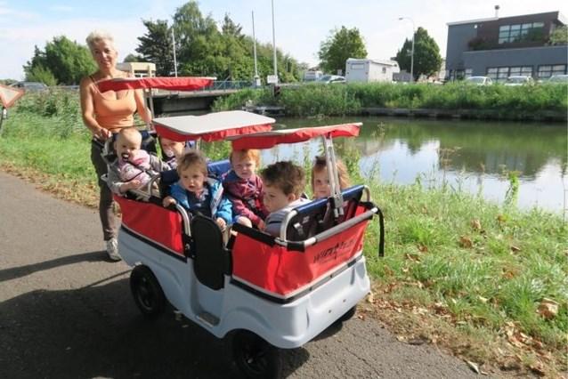 """Crèche pakt uit met 'de bus': """"Het is het eerste wat de kinderen 's morgens willen doen"""""""
