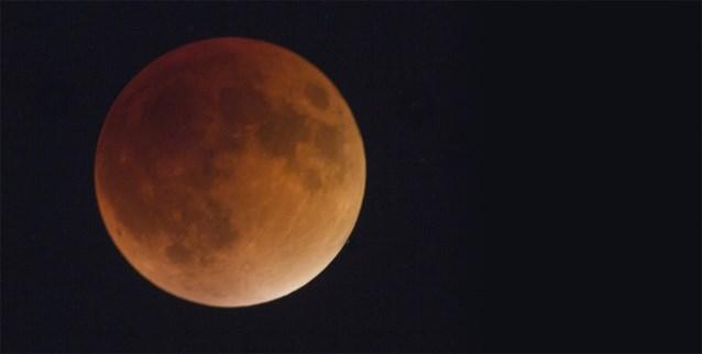 Er is iets bijzonders aan de maan vanavond
