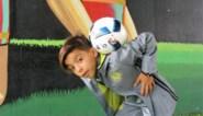 Tienjarige Rayane toont voetbaltalent bij Nathalie Meskens