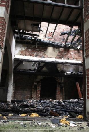 Kasteel Goorhof rijp voor de sloop na uitslaande brand