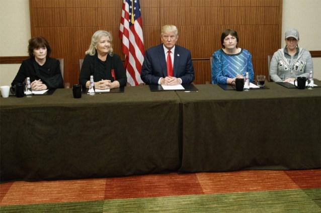 """""""Bill Clinton heeft me verkracht"""": Trump verschijnt vlak voor debat met vrouwen die ex-president beschuldigen"""