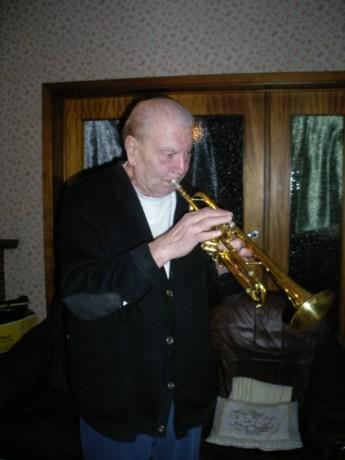 Jazzlegende Edmond Harnie overleden