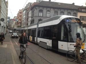 Trams in Veldstraat en Nederkouter in file na elektriciteitspanne
