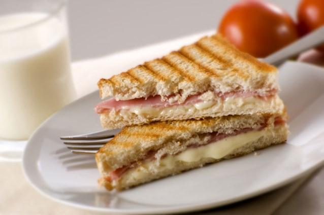 Word je dikker van een croque monsieur dan van een boterham met ham en kaas?