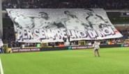 Anderlecht-supporters verwelkomen Proto met mooie tifo