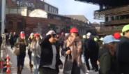 Studenten doen 'triltest' op nieuwe voetgangersbrug in Gent