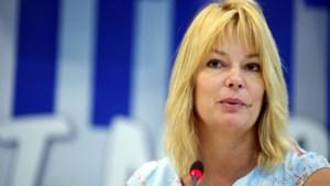 Na omstreden bezoek aan 'Gouden Dageraad': Anke Van dermeersch (VB) blijft dan toch senator