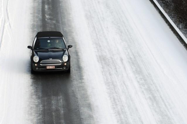 KMI waarschuwt voor gevaarlijk gladde wegen en voetpaden dit weekend