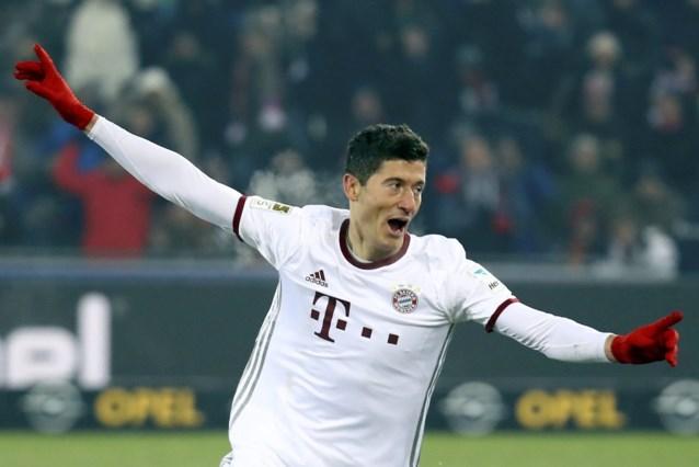 Lewandowski sleurt Bayern pas in blessuretijd voorbij Freiburg