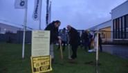 VIDEO. Actievoerders blokkeren poort hoofdkantoor ontwikkelaar Eurostadion