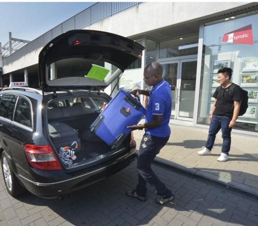 """Examen taxi-chauffeur te moeilijk: """"Vacatures raken niet meer ingevuld"""""""