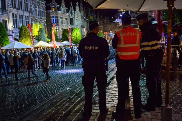 Luide kotfeestjes, fietsengooiers en 'agent-choco's': het was weer donderdagavond in Leuven