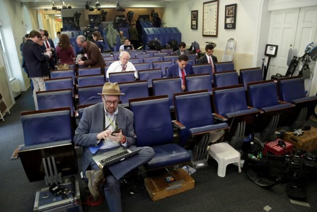 Witte Huis weert journalisten van persbriefing woordvoerder Trump, actie meteen veroordeeld