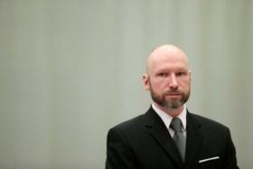 """Anders Breivik niet """"onmenselijk"""" behandeld, oordeelt Noors gerechtshof"""