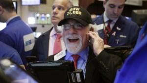 Het Trump-effect? Dow Jones breekt alle records, beleggers kunnen hun geluk niet op