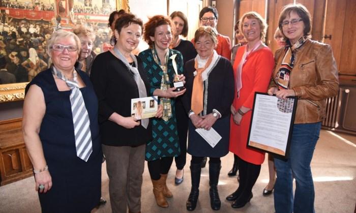 CD&V-vrouwen houden Cravattendag