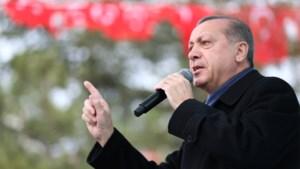 """Erdogan spreekt opnieuw dreigende taal: """"Europeanen zullen nergens ter wereld nog veilig zijn"""""""