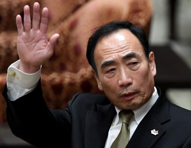 Omstreden schoolhoofd brengt Japanse premier in nauwe schoentjes