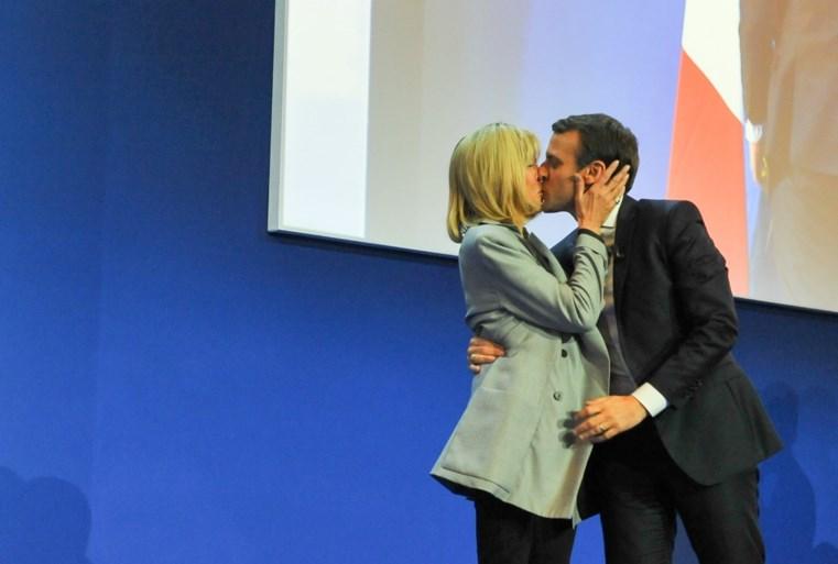 Wie is de succesvolle bankier die de jongste president van Frankrijk wordt?