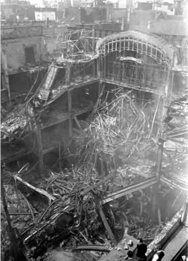 """""""Het was één grote muizenval."""" Reconstructie van de brand die de Belgische samenleving voor altijd veranderde"""