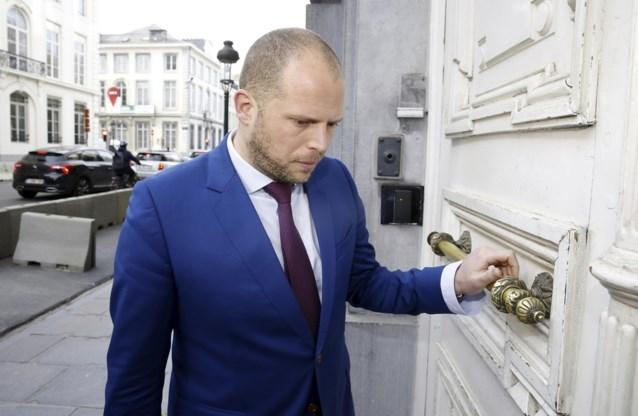 """Theo Francken """"recycleert"""" Tilburgse gevangeniscellen"""