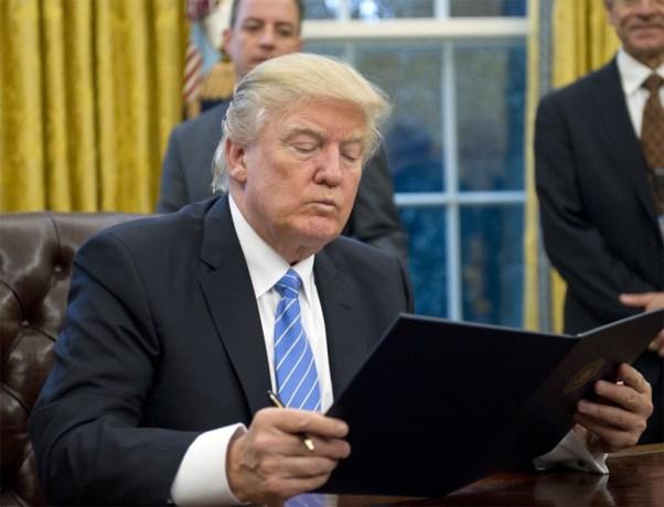 """Door dit eenvoudig trucje van zijn medewerkers leest """"snel afgeleide"""" Donald Trump alle belangrijke verslagen"""