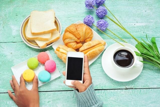 Deze foute eetgewoonte maakt je dikker, maar we doen het allemaal