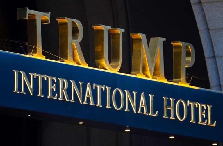 """Man met zware wapens in auto opgepakt in Trump Hotel Washington: """"Potentiële ramp vermeden"""""""