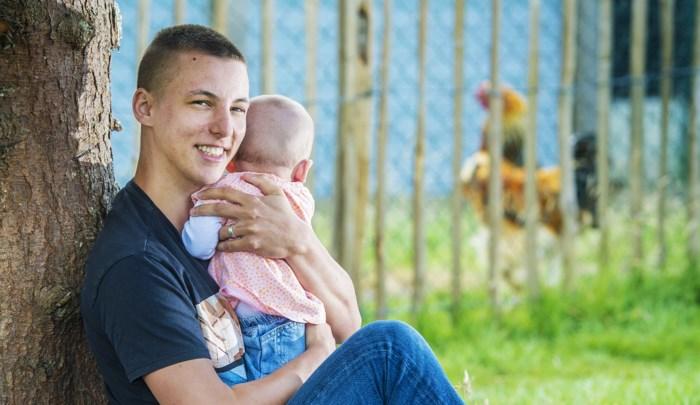 Yelle is de eerste papa in België die zelf een kind op de wereld zette. Hij doet nu zijn verhaal, ook al weet hij dat niet iedereen hem begrijpt