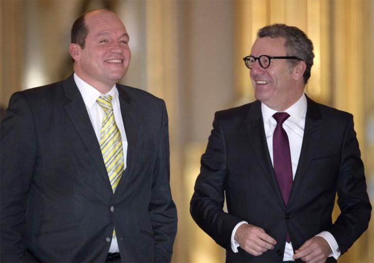 Dit is de nieuwe burgemeester van Brussel: flamboyant, vlot en niet onbesproken
