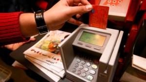 Ook voor kleine bedragen grijpt de Belg steeds meer naar de bankkaart