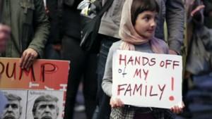 """Iran vindt Trumps inreisverbod """"schandelijk"""": """"VS verbiedt grootmoeders hun kleinkinderen te zien"""""""