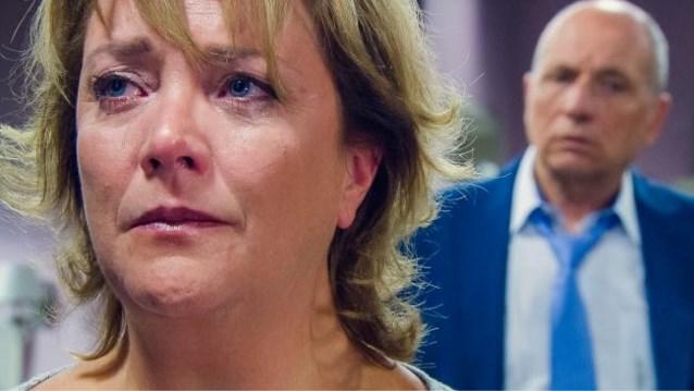 """Linda uit 'Familie' kritisch tegenover soap: """"Een ongeloofwaardige exit, ik was er niet gelukkig mee"""""""