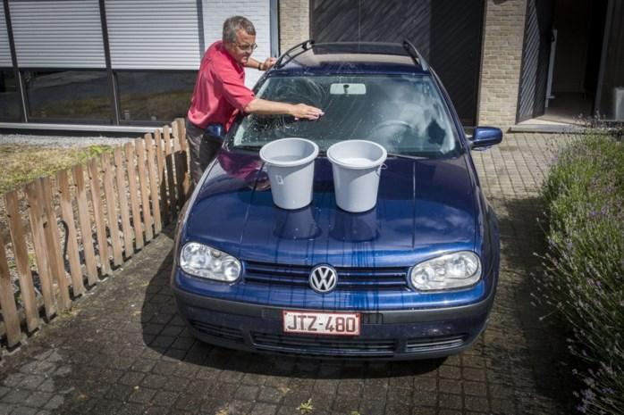 Laat spons en zeemvel voortaan in de kast als u uw auto wast. Wij leggen uit hoe het wel moet