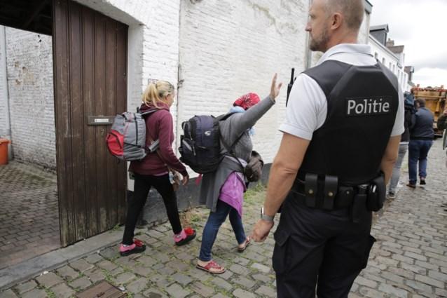 Deurwaarder zet Roma uit tweede gekraakte pand in Gent