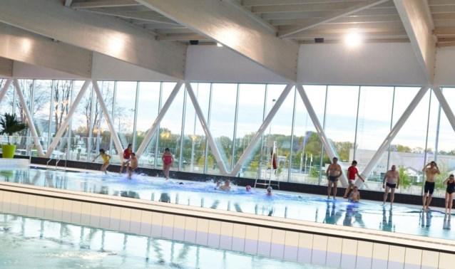 Laddertjes maken schoolzwemmen in nieuw zwembad weer veilig