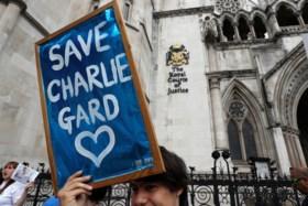 Lot van doodzieke baby Charlie Gard wordt vandaag bepaald. Mama geeft emotioneel interview