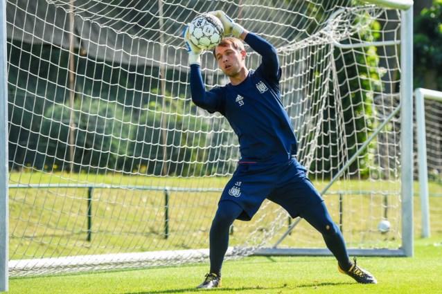 CLUBNIEUWS. Roef mag (nog) niet weg bij Anderlecht, Standard verrast met aanvoerdersband