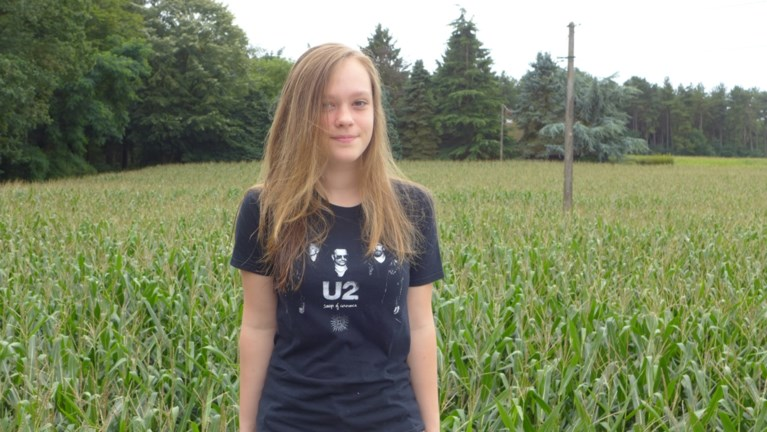 """Koelbloedig meisje (13) redt buurvrouw uit waterput: """"Ik beloofde haar dat ze niet zou verdrinken"""""""