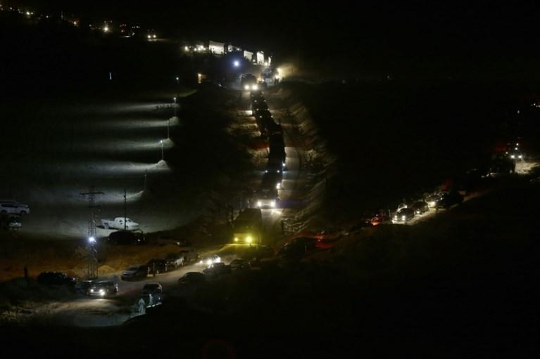 Ruiloperatie tussen Hezbollah en al-Qaeda: bussen met duizenden vluchtelingen en strijders rijden Syrië binnen