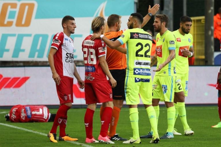AA Gent blijft op de sukkel en verliest spektakelmatch tegen Moeskroen na onterechte rode kaart