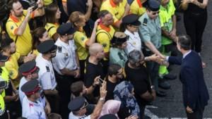 Spaanse koning stapt mee in betoging tegen terreur in straten van Barcelona