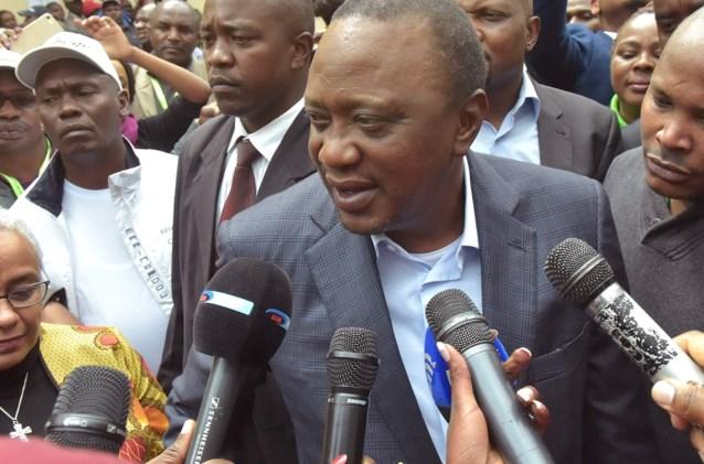 """Keniaanse gerecht verklaart verkiezingen ongeldig , president reageert """"teleurgesteld"""""""