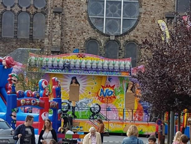 Kermisrel Sint-Agatha-Berchem: papieren bedekking wordt vandaag nog verwijderd