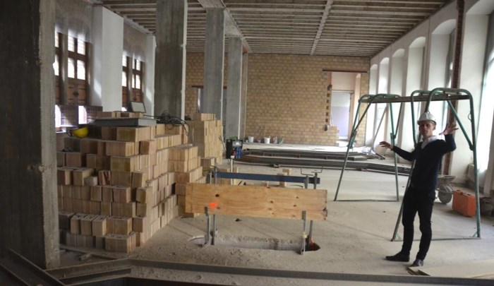 "Oud stadhuis in volle afbraak: ""Opbouw Yper Museum van start"""